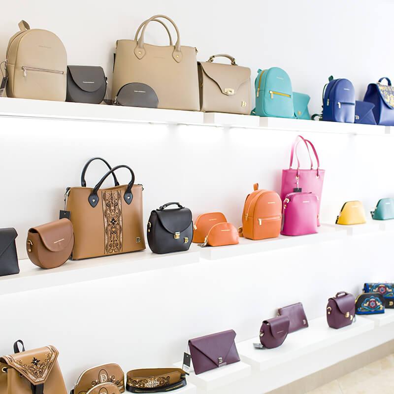 Dajana Rodriguez kabelky na predajni v Partizánskom