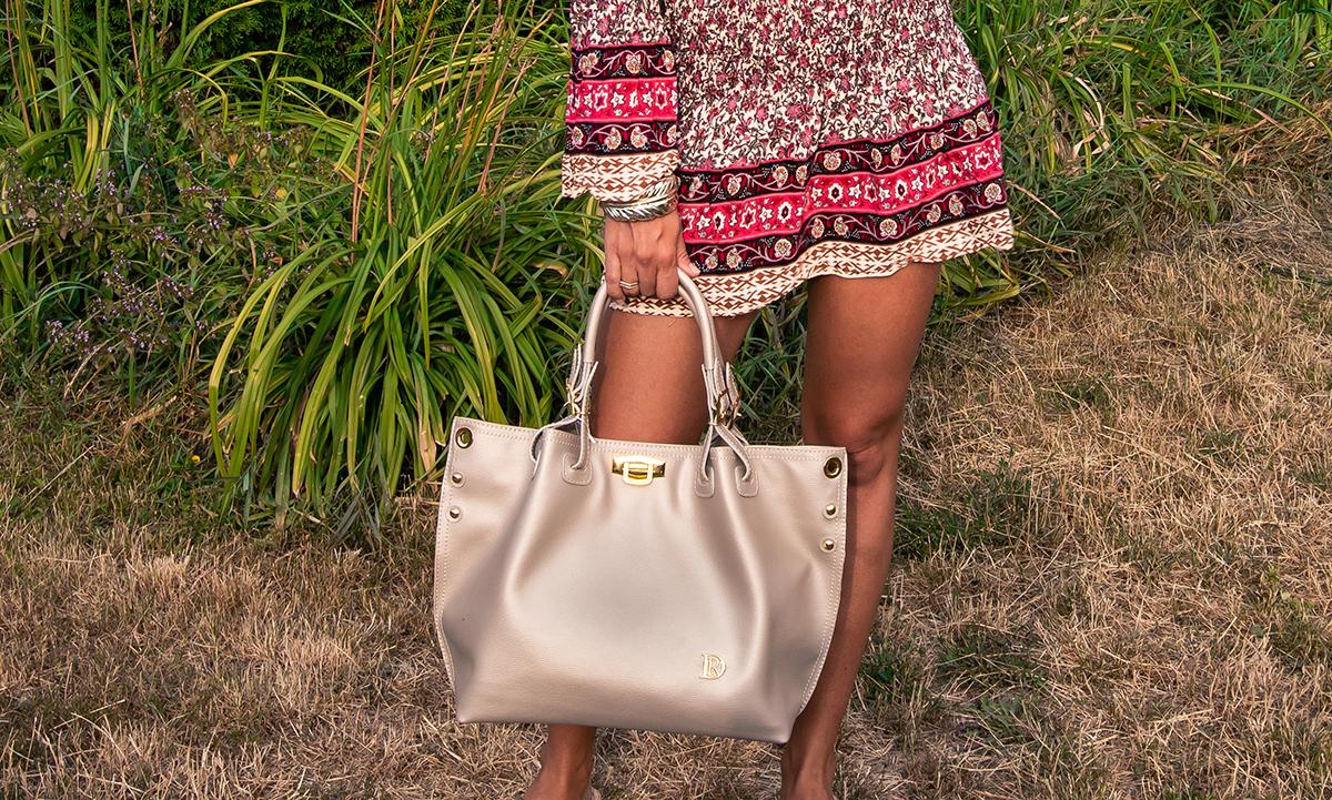 Kožená kabelka Adriana v pieskovej farbe.jpg